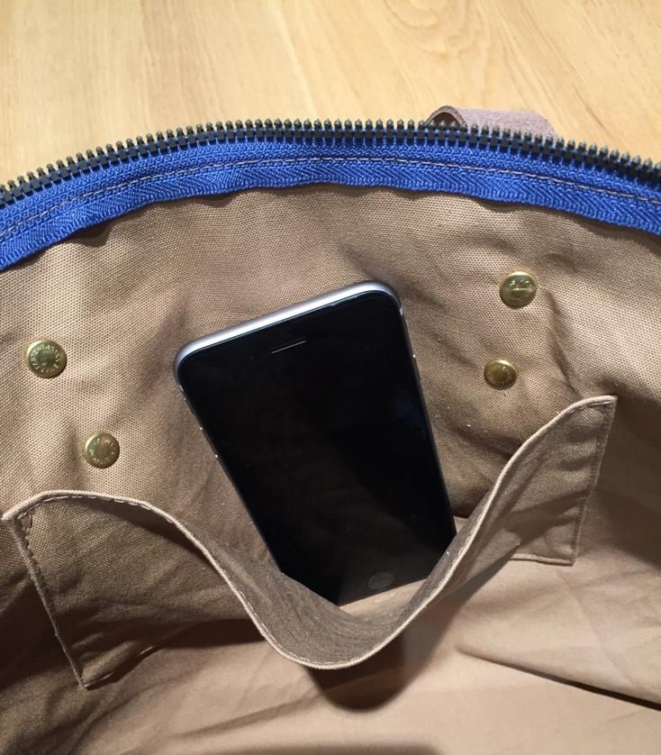 裏地付き。内ポケットがとても便利