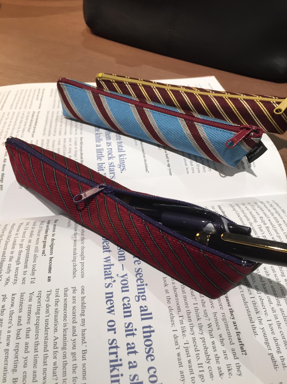 外見はスリムだが、ペンが3〜4本入る